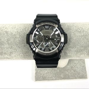 Casio G-shock Men's Watch Black / Silver GA-200BW